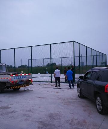 济宁美恒汽车城篮球场、羽毛球场项目